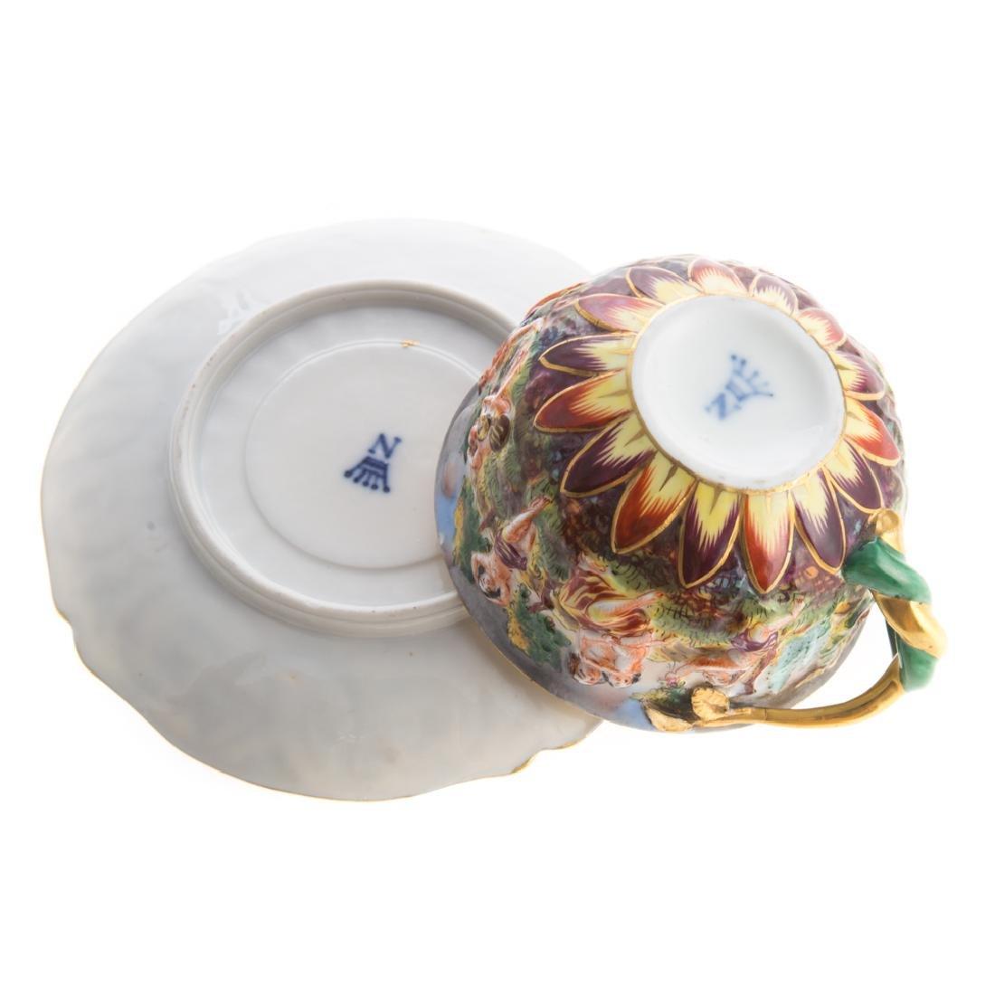 Five Capodimonte porcelain tea articles - 7