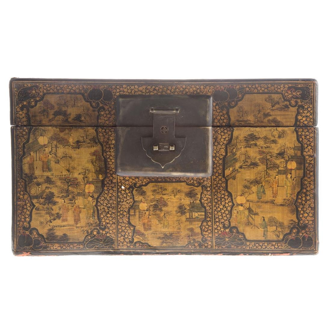 Chinese gilt decorated and lacquer box