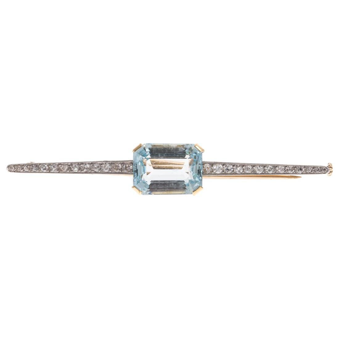 A Lady's Art Deco Aquamarine & Diamond Bar Pin