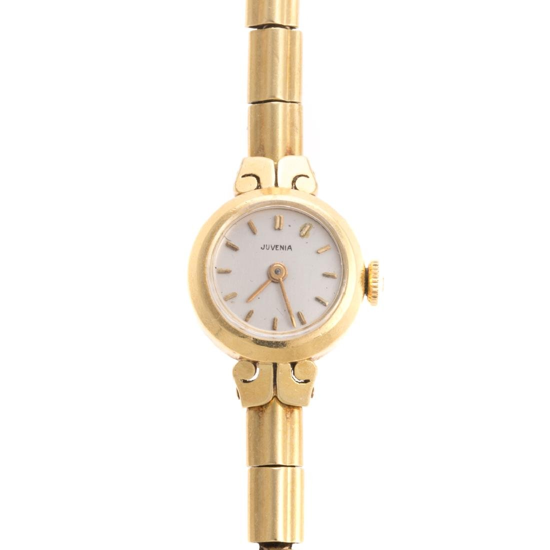 A Lady's Juvenia Wrist Watch in 18K
