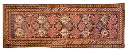 Antique Bahktiari rug, approx. 3.11 x 10.11