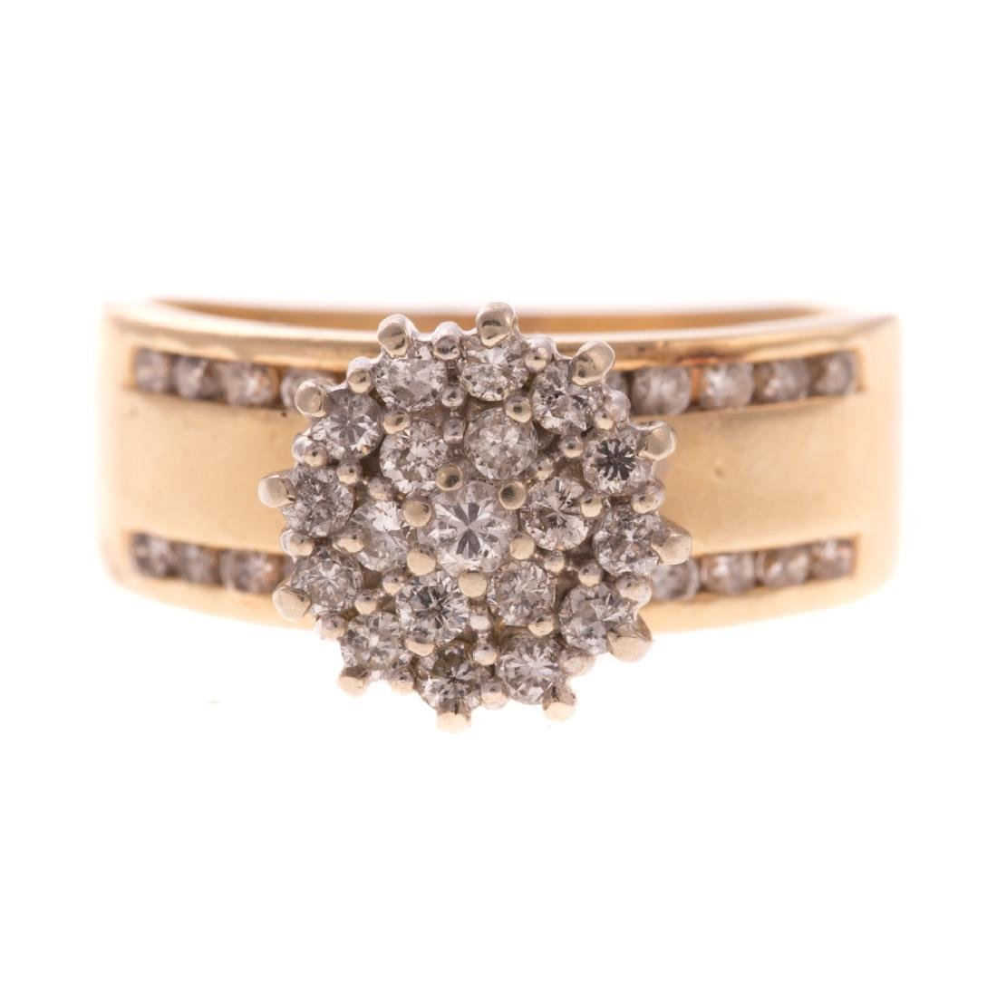 A Lady's Diamond Pendant and Cluster Ring in Gold - 3