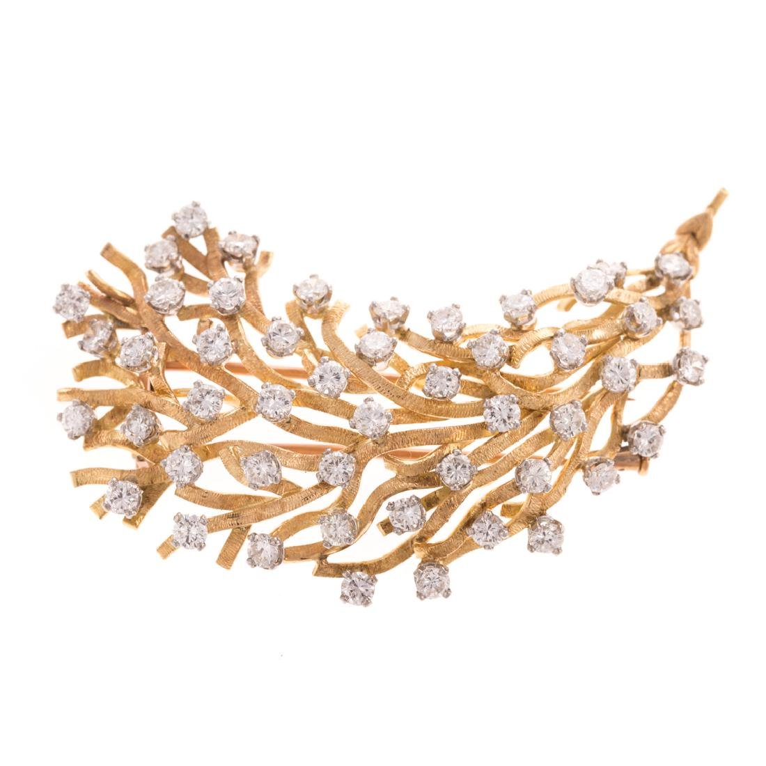 A French Brooch in Diamonds and 18K Gold