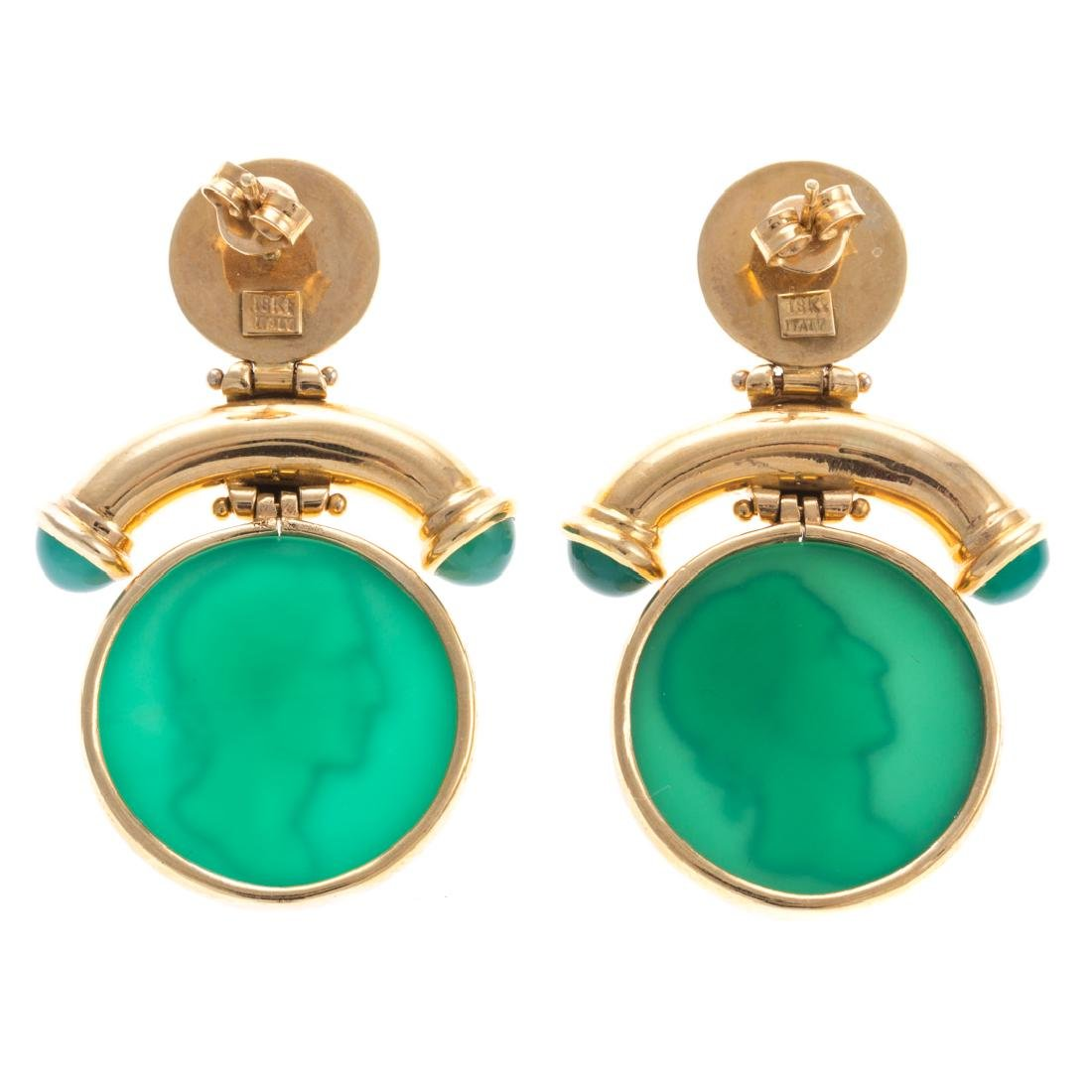 A Pair of 18K Green Intaglio Earrings - 3