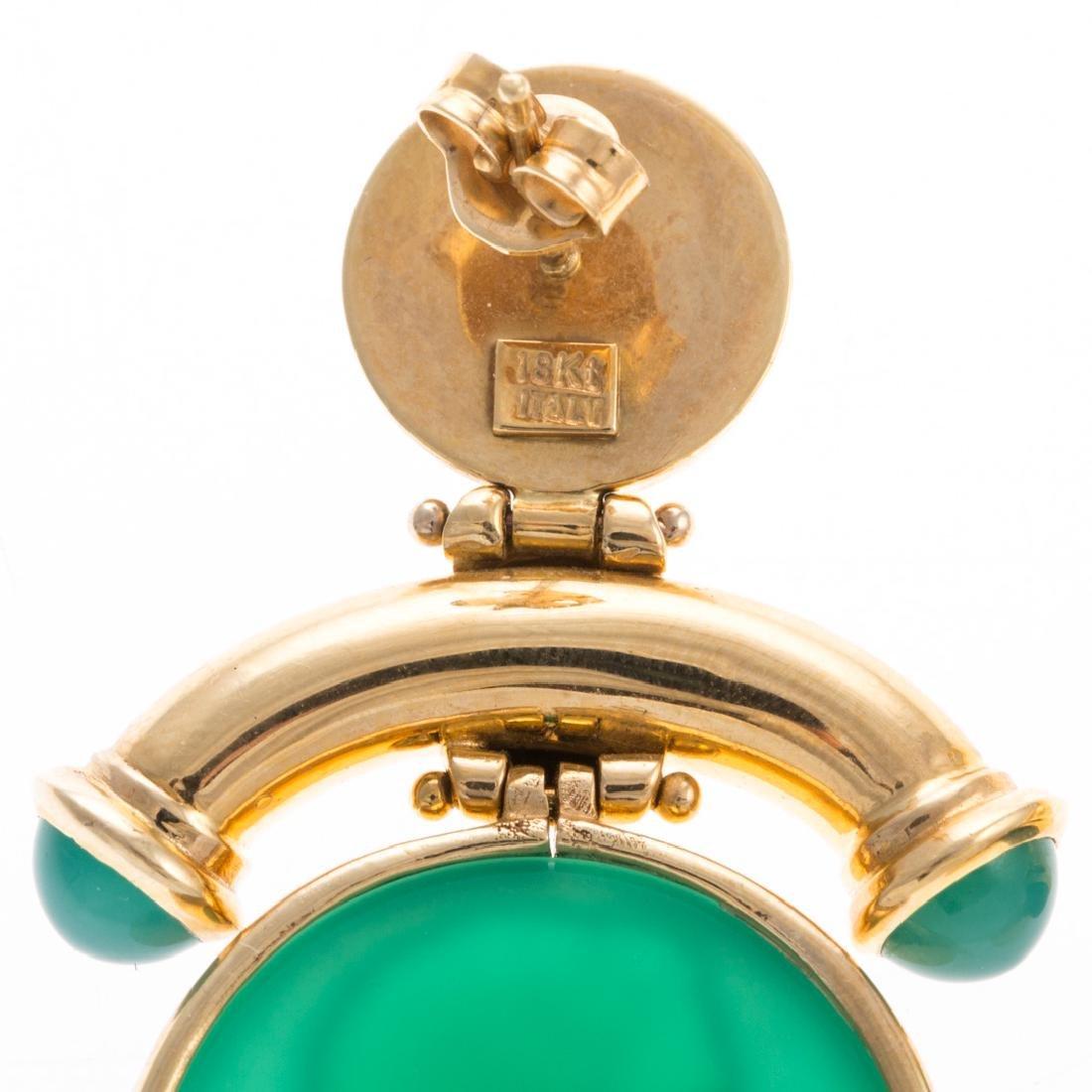 A Pair of 18K Green Intaglio Earrings - 4