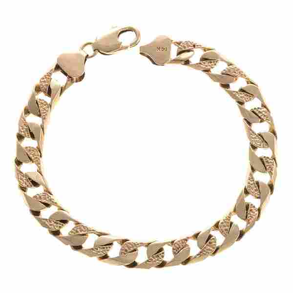 A Gentlemen's Curbed Link Bracelet in 14K Gold