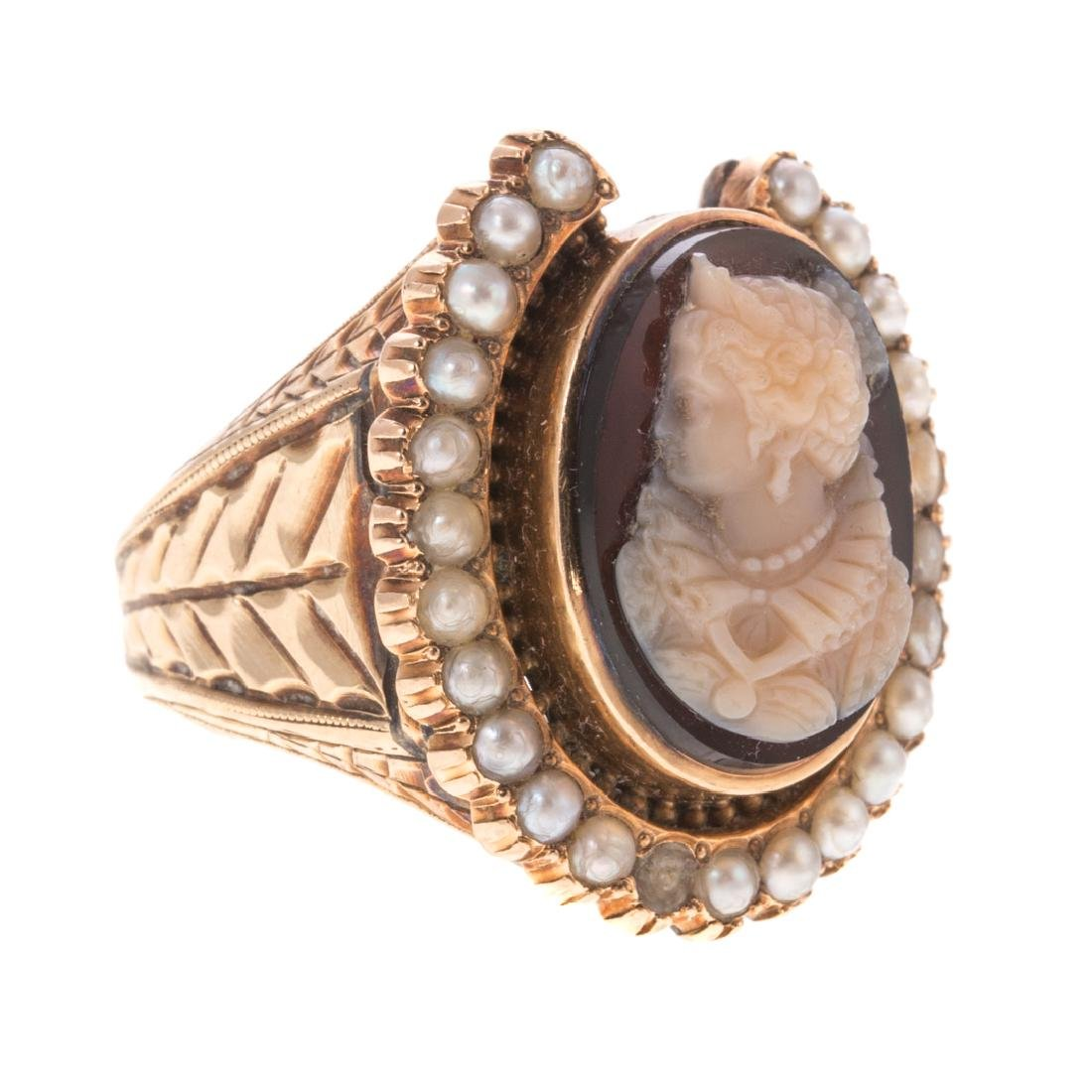 A Victorian Cameo Seed Pearl Horseshoe Ring - 2