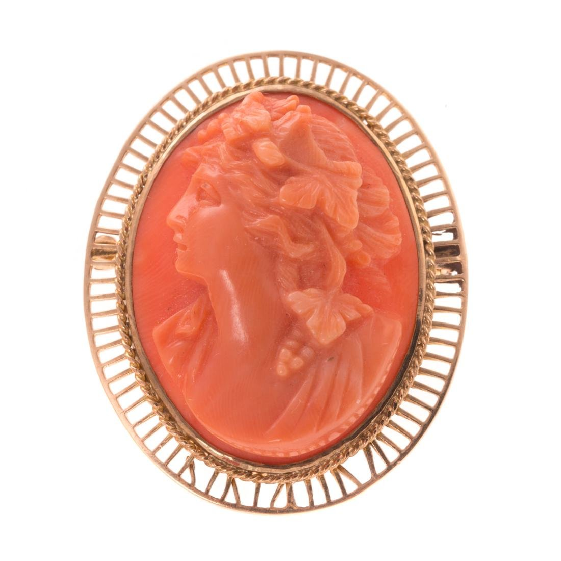 A Collection of Lady's Victorian Coral Jewelry - 4