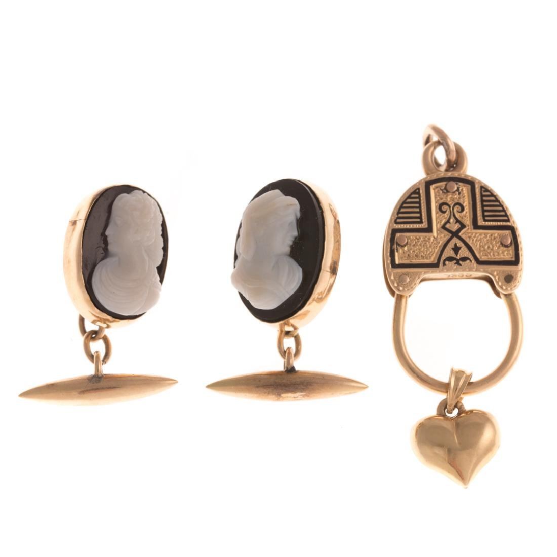 A Victorian Pendant with Cameo Cufflinks in 14K