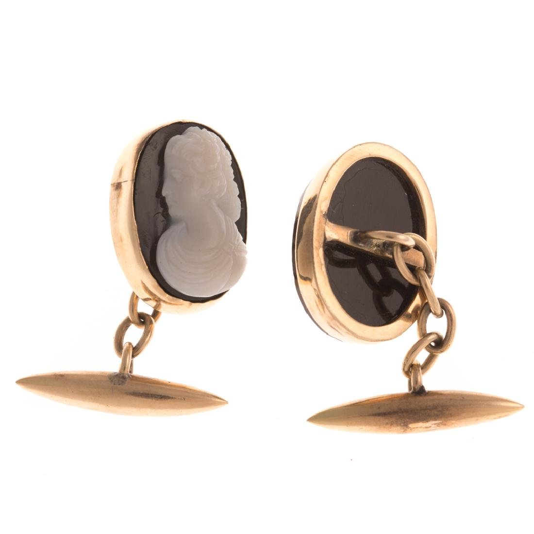 A Victorian Pendant with Cameo Cufflinks in 14K - 2