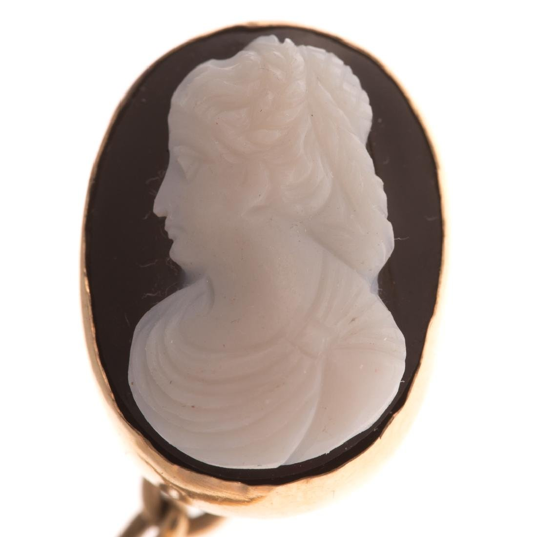 A Victorian Pendant with Cameo Cufflinks in 14K - 3