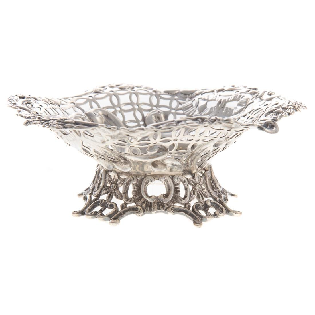 Pair Victorian silver open worked bon bon dishes - 3