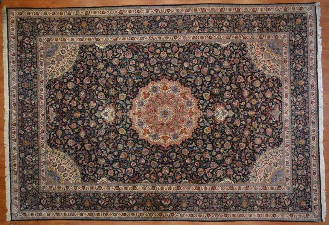Fine Persian Tabriz carpet, approx. 11.4 x 16.4