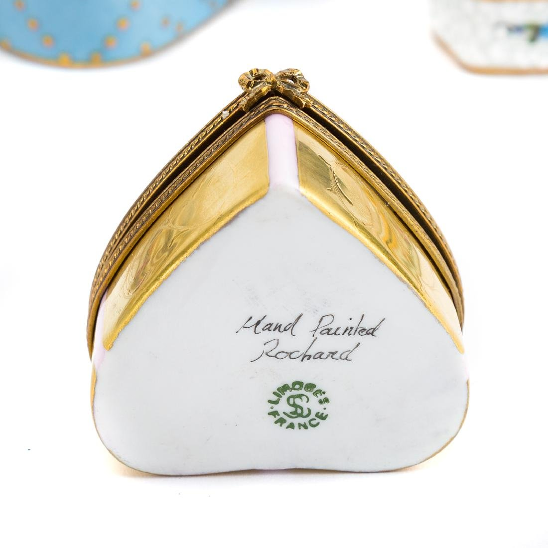 10 porcelain boxes and a shell box - 4
