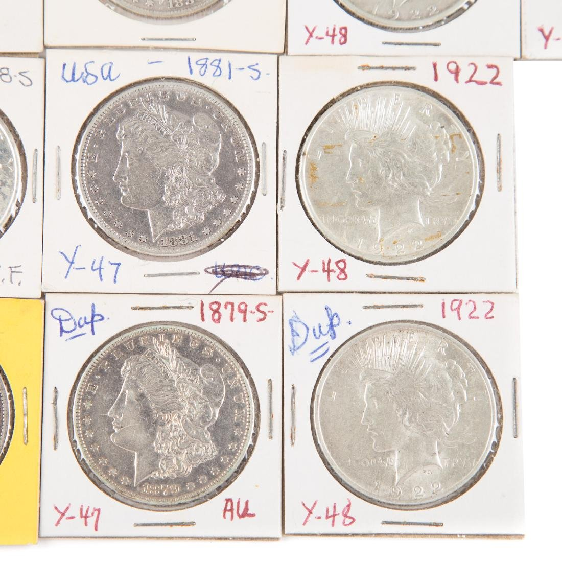 [US] 33 Morgan and Peace Silver Dollars - 2