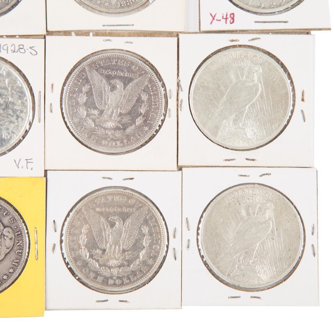 [US] 33 Morgan and Peace Silver Dollars - 3