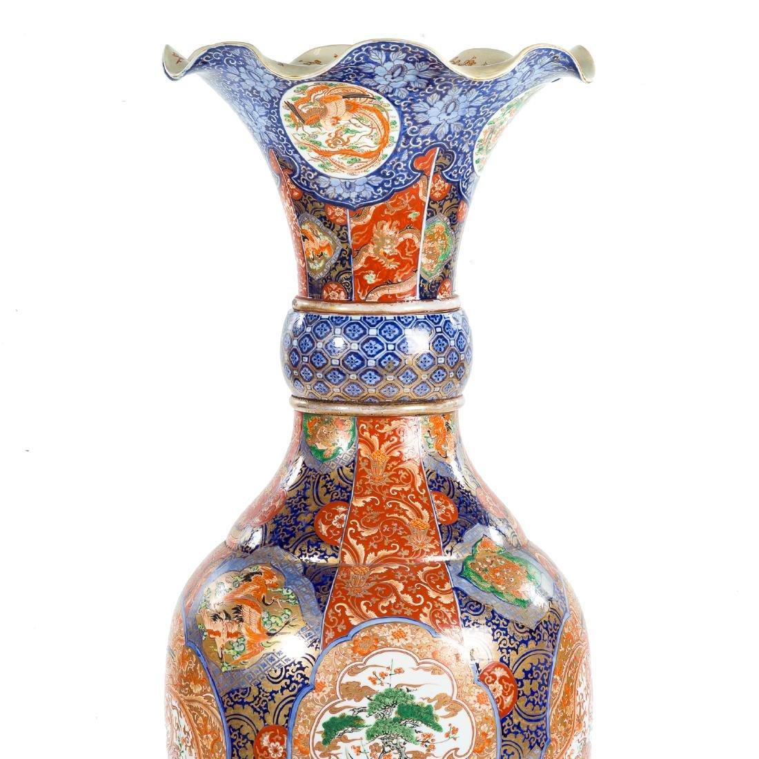 Japanese Imari porcelain monumental palace vase - 2