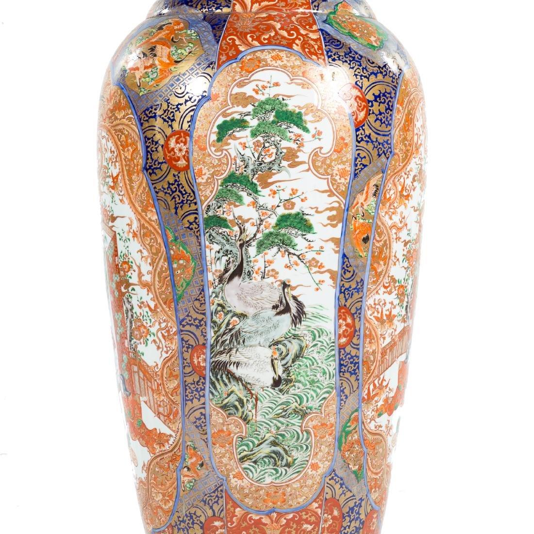 Japanese Imari porcelain monumental palace vase - 3