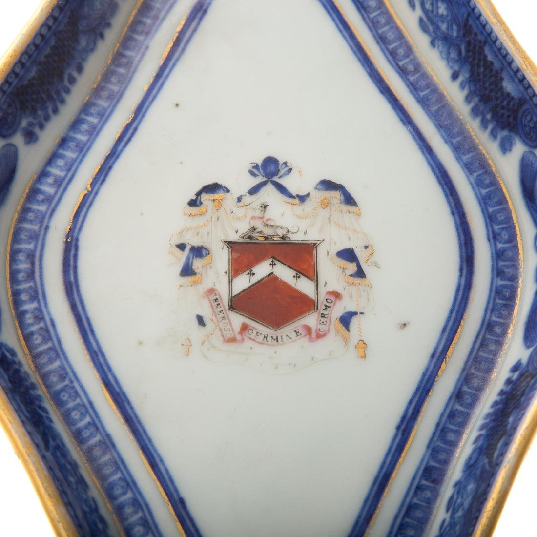 Chinese Export armorial sauce boat & underplate - 5