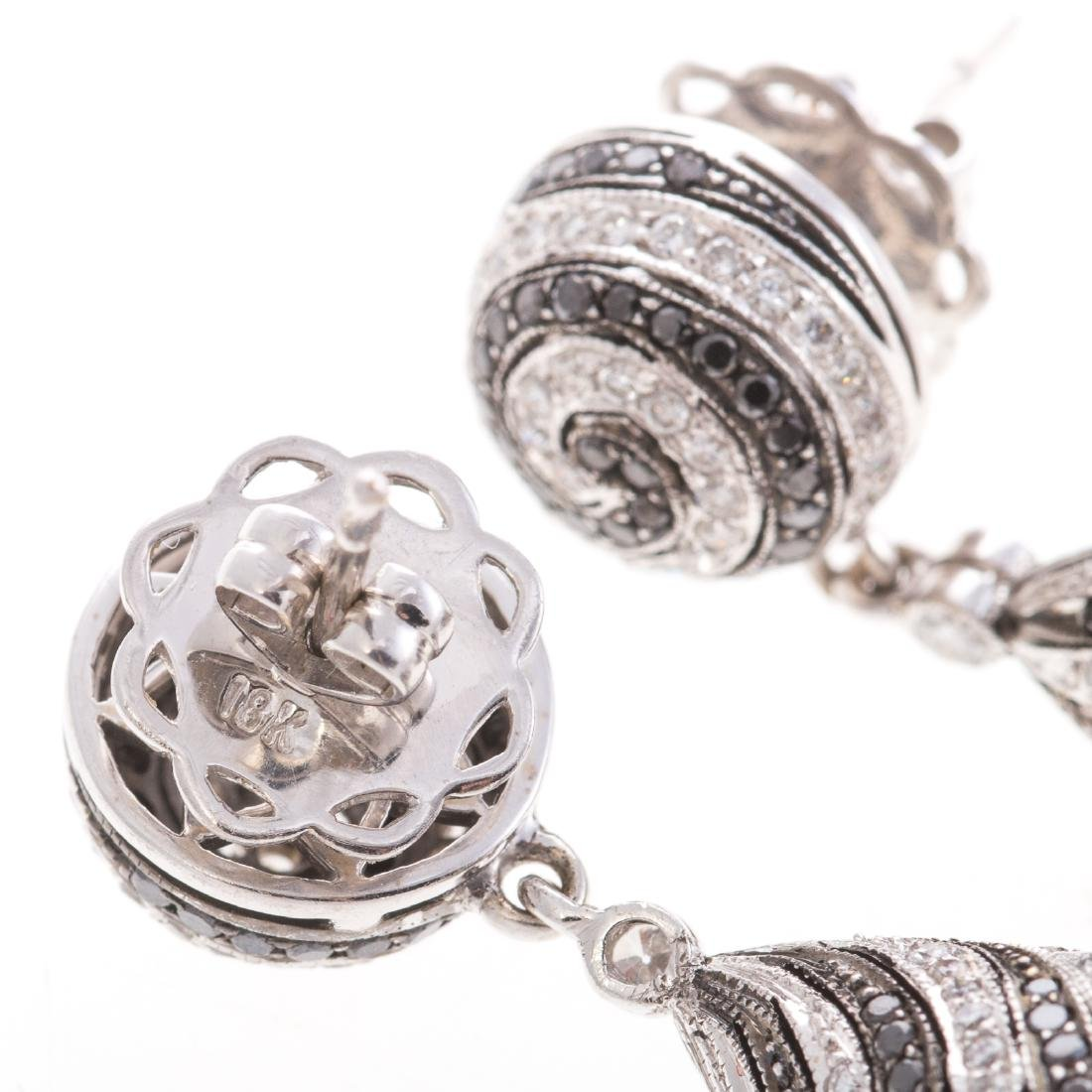 A Pair of Spiral Black & White Diamond Earrings - 3