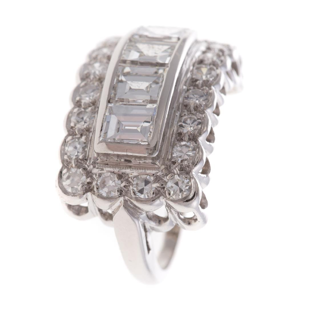 A Lady's Diamond Ring in Platinum - 2