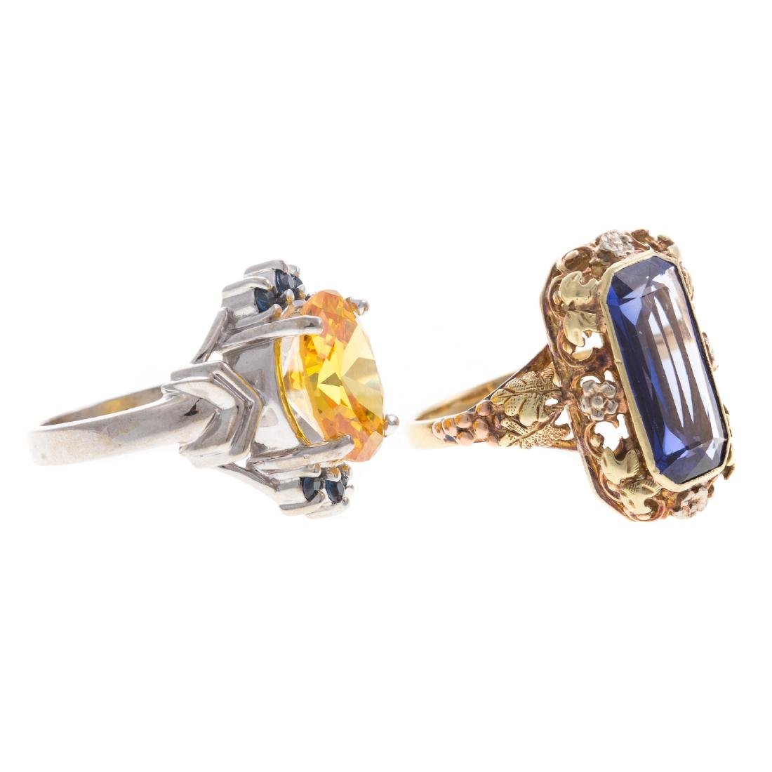 A Pair of Lady's Colored Gemstone Rings in Gold - 2