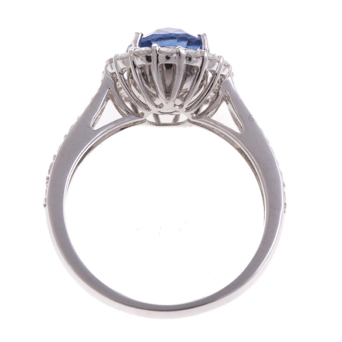 A Lady's 3.21 ct Unheated Sapphire & Diamond Ring - 3