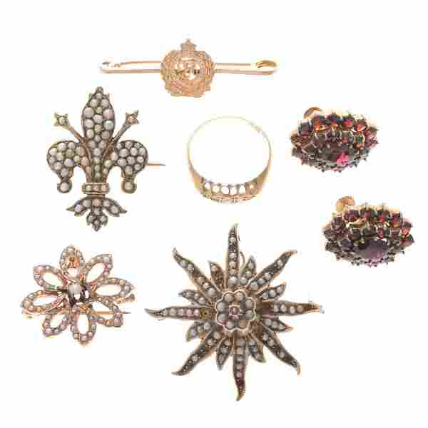 A Collection of Victorian Jewelry in Gold