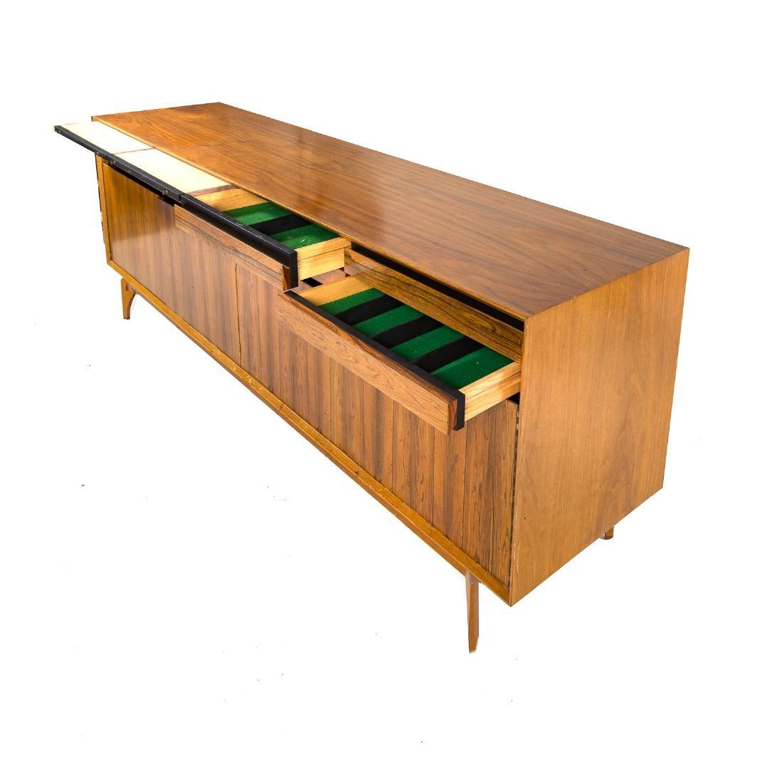 Cabinet-made Mid-Century Modern teakwood credenza - 4