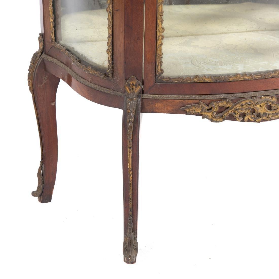 Louis XV style bronze mounted mahogany vitrine - 3