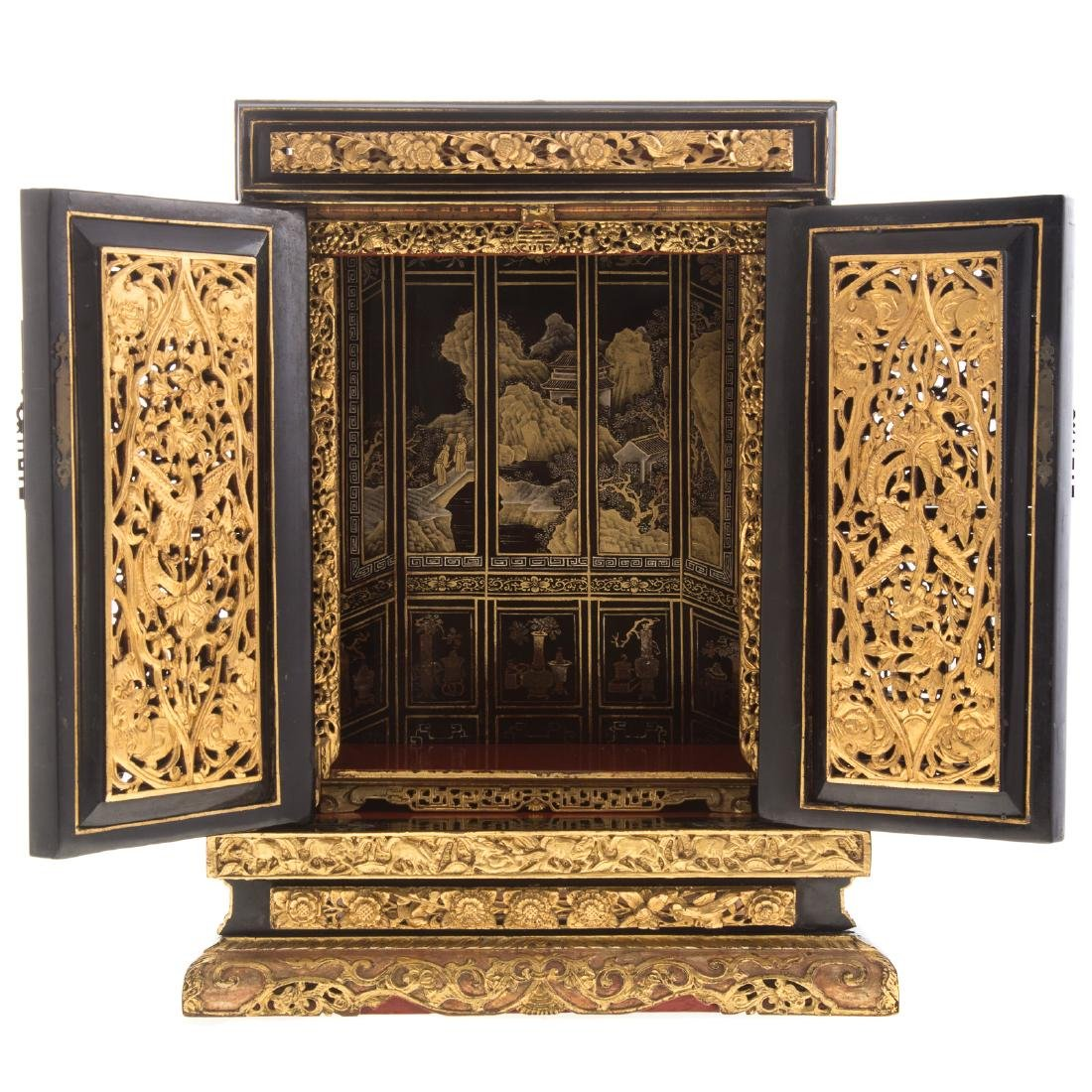 Chinese lacquer and gilt wood shrine - 6