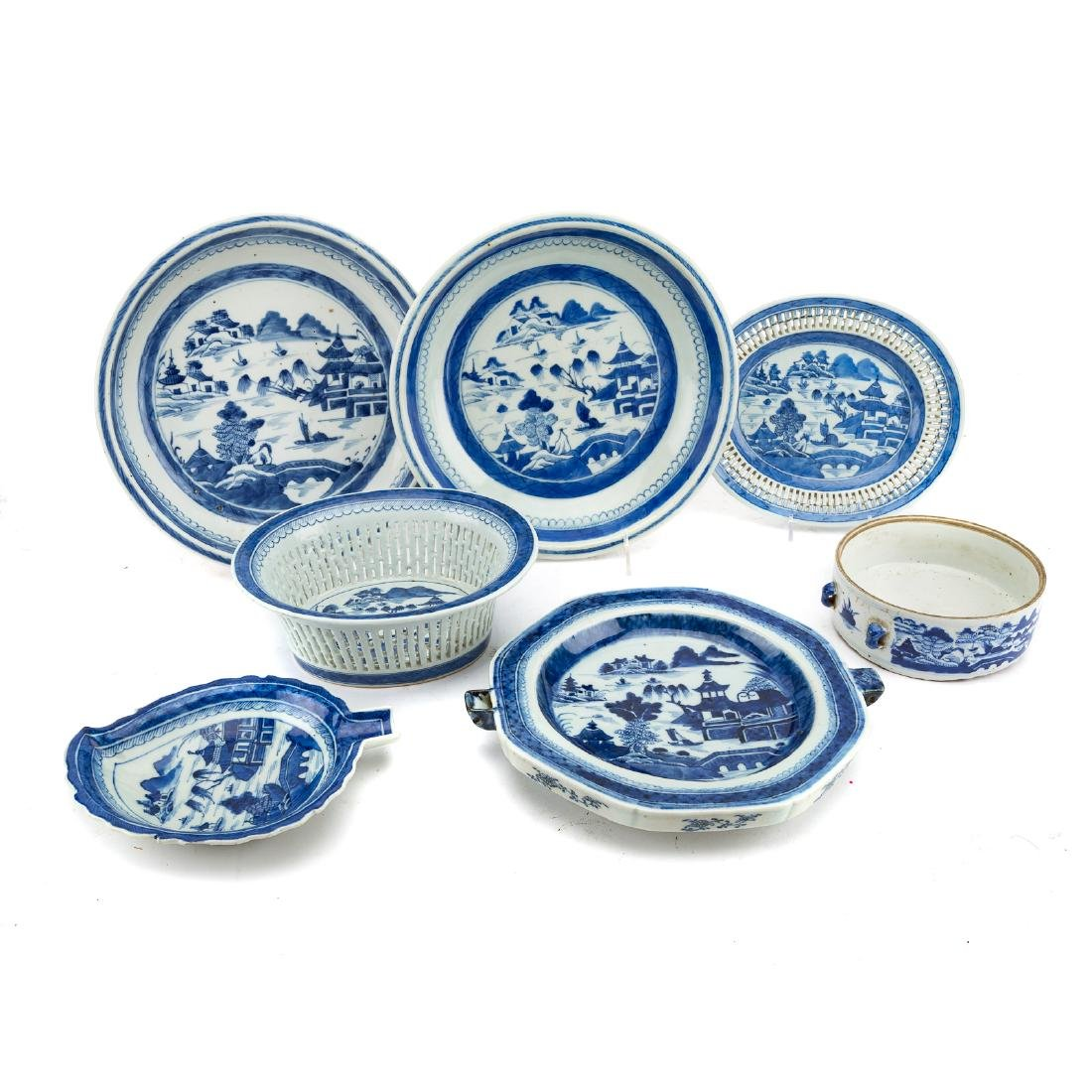 Seven Chinese Export Canton porcelain objects