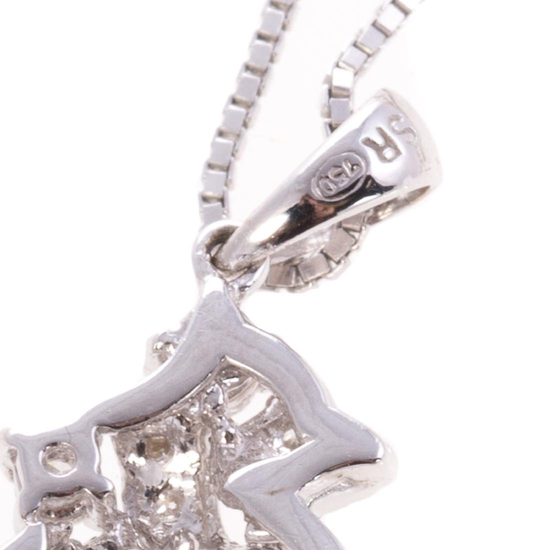 A Lady's Diamond Filigree Pendant in White Gold - 5