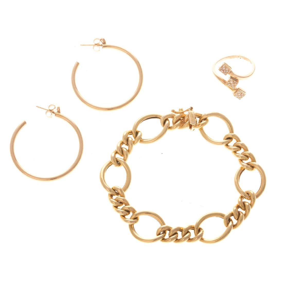 A Lady's Suite of Classic Jewelry in 14K Gold