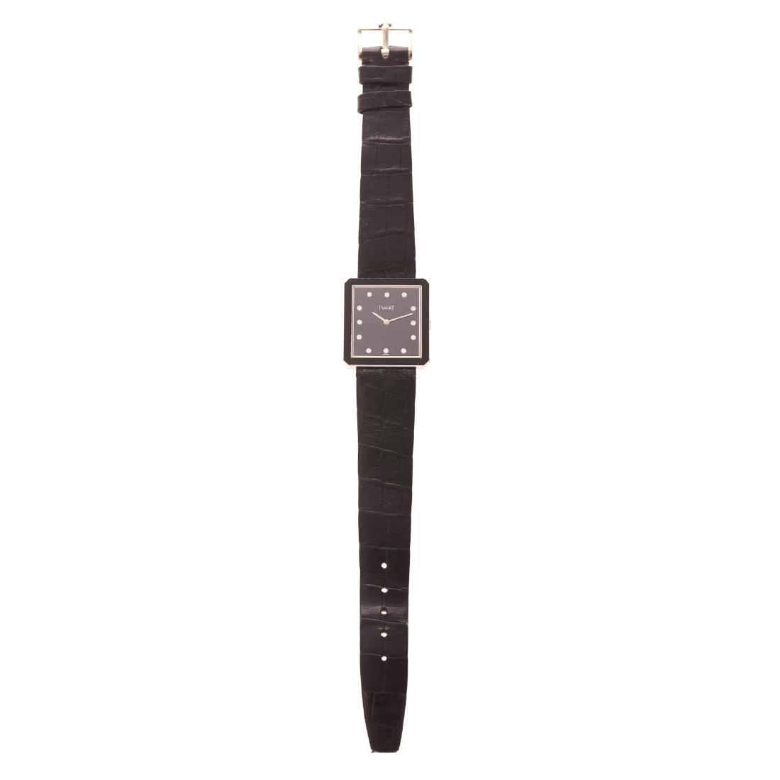 A Gentlemen's Piaget Watch with Diamonds in 18K - 3