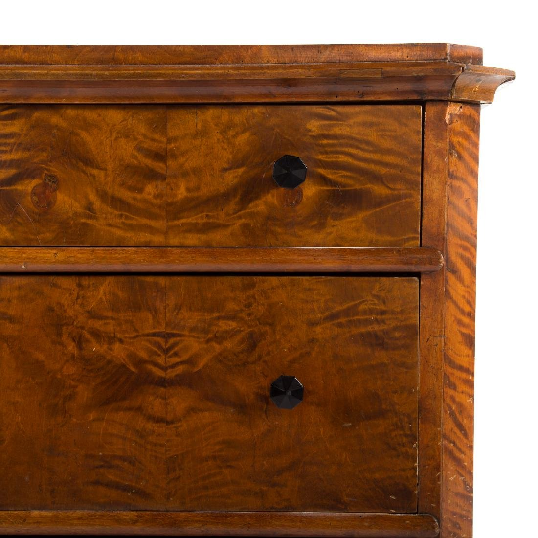Biedermeier walnut veneer commode - 6