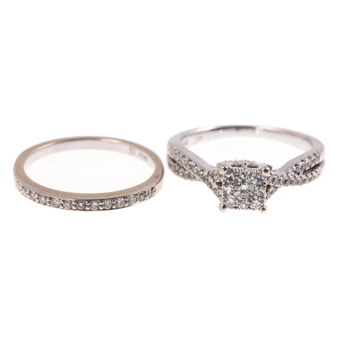 A Ladies Diamond Engagement Ring & Band Set