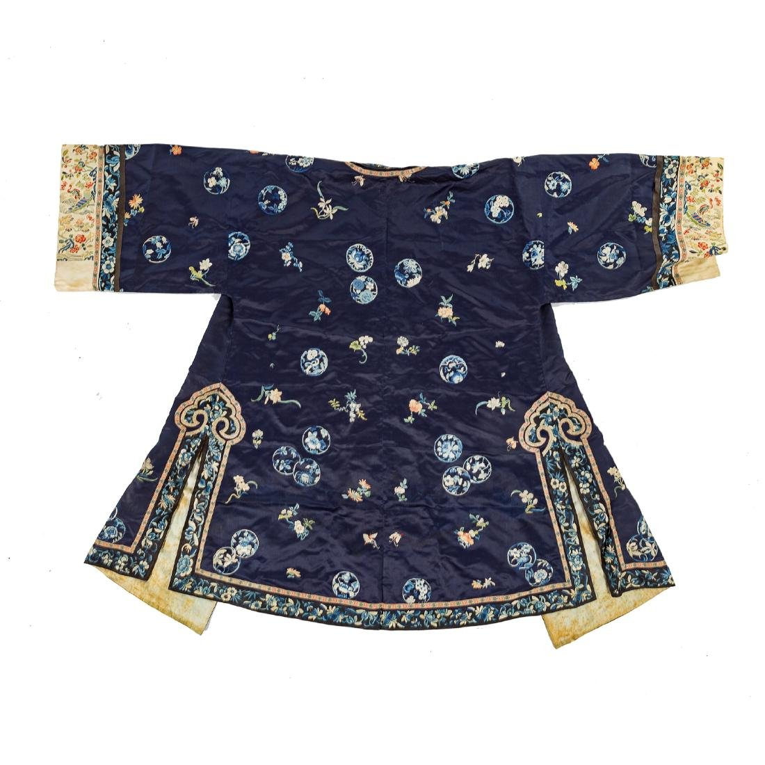 Chinese silk embroidered robe - 5