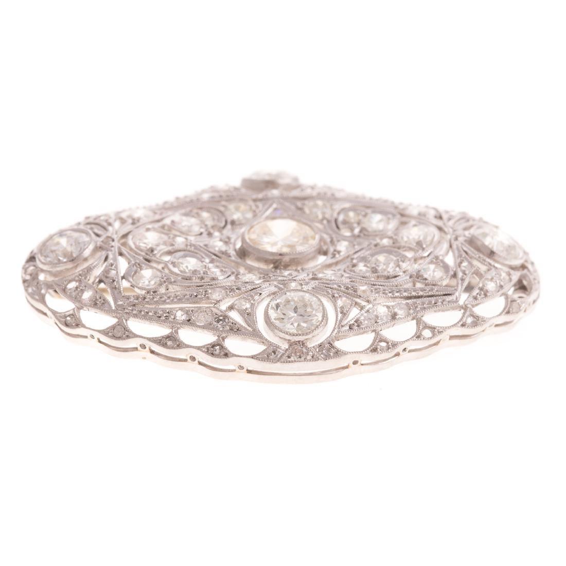 An Art Deco Diamond Filigree Brooch in Platinum - 2