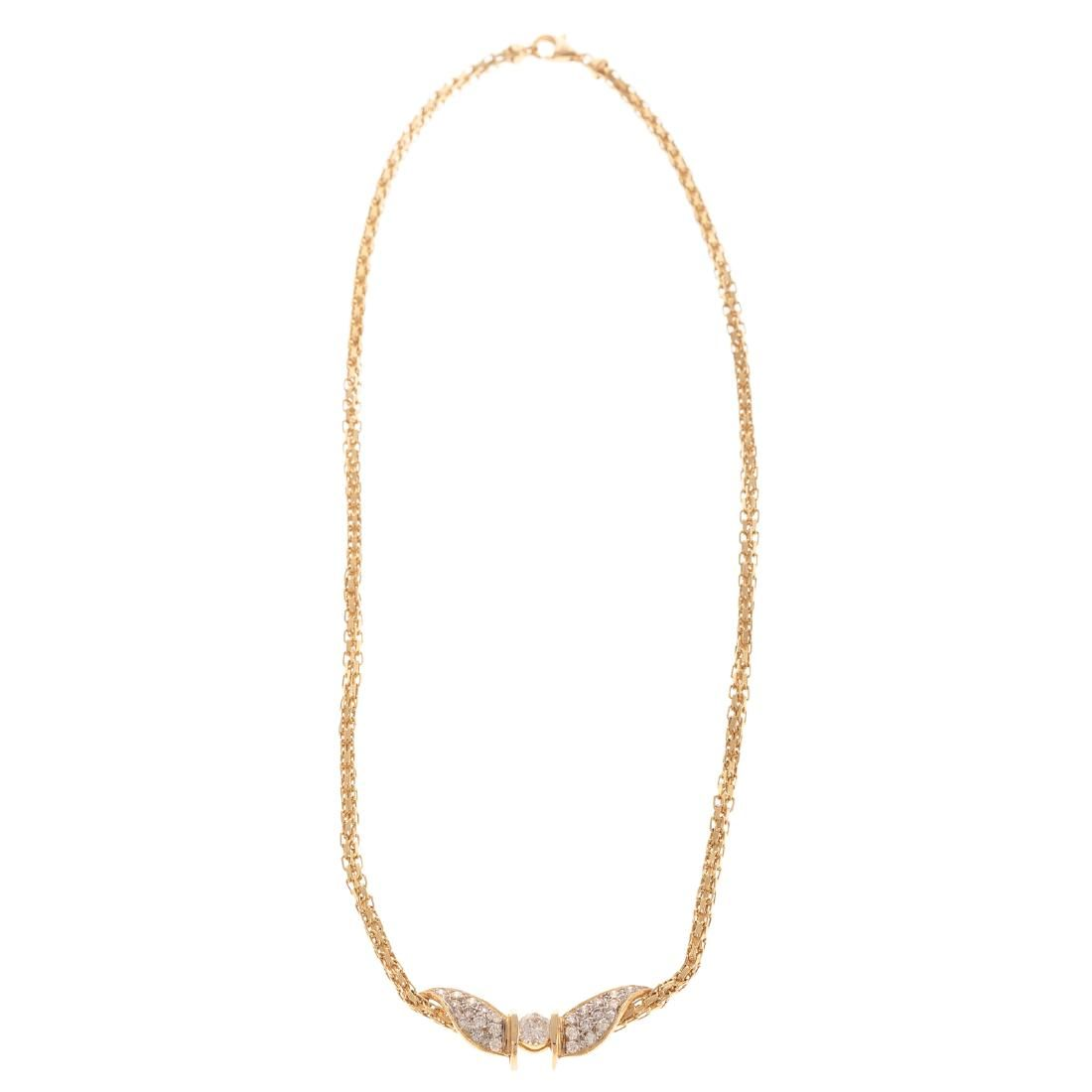 A Ladies Diamond Necklace in 14K Gold