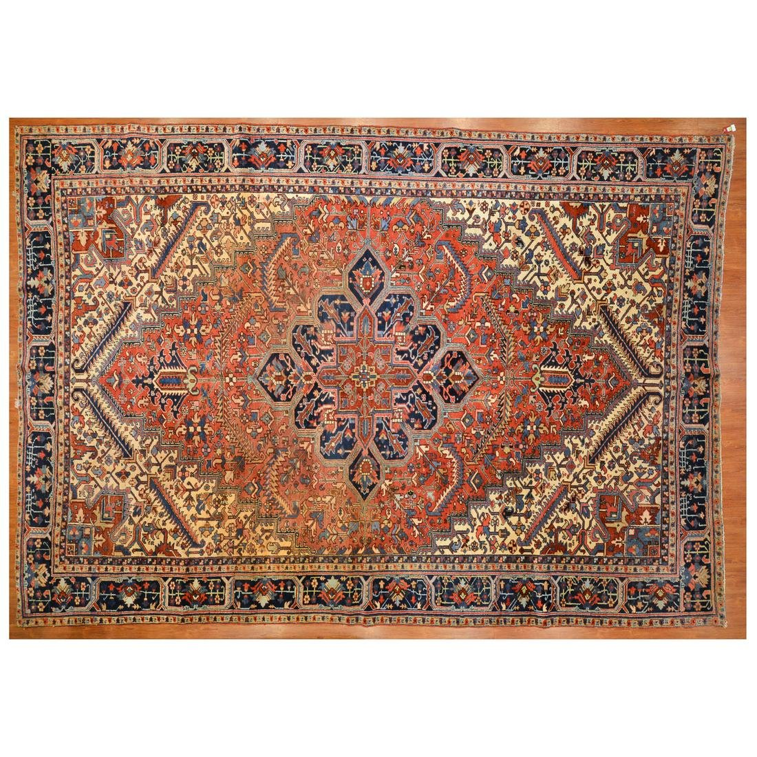 Semi-Antique Heriz Carpet, Persia, 10.9 x 15