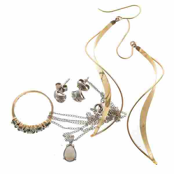 A Collection of 14K Gold Jewelry
