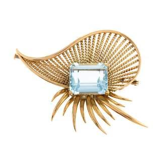 A Vintage European 18K Aquamarine Flair Pin