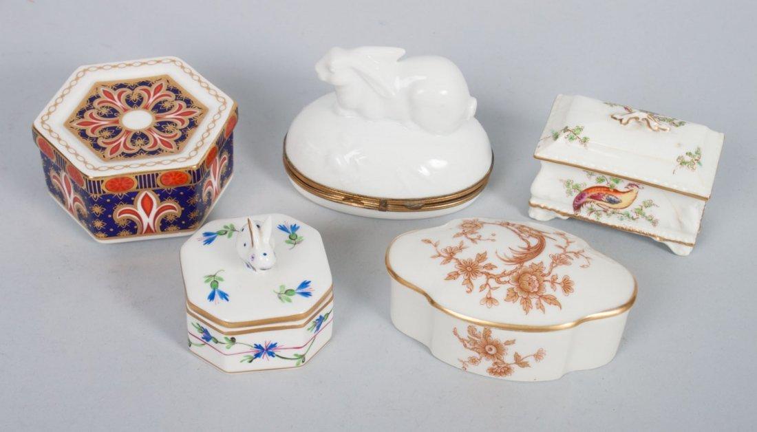 Five assorted porcelain dresser boxes