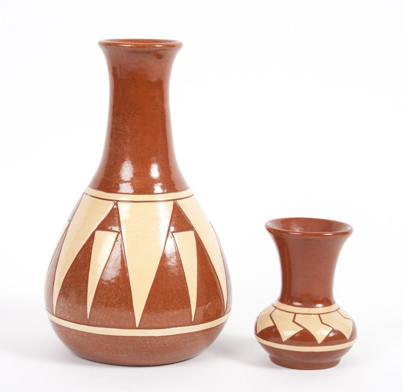 Two Pine Ridge Sioux glazed ceramic vases