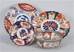 Four Japanese Imari porcelain articles