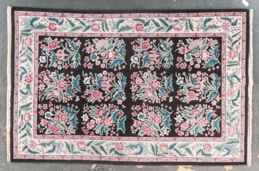 Sino-Persian design rug, approx. 5.9 x 8.9