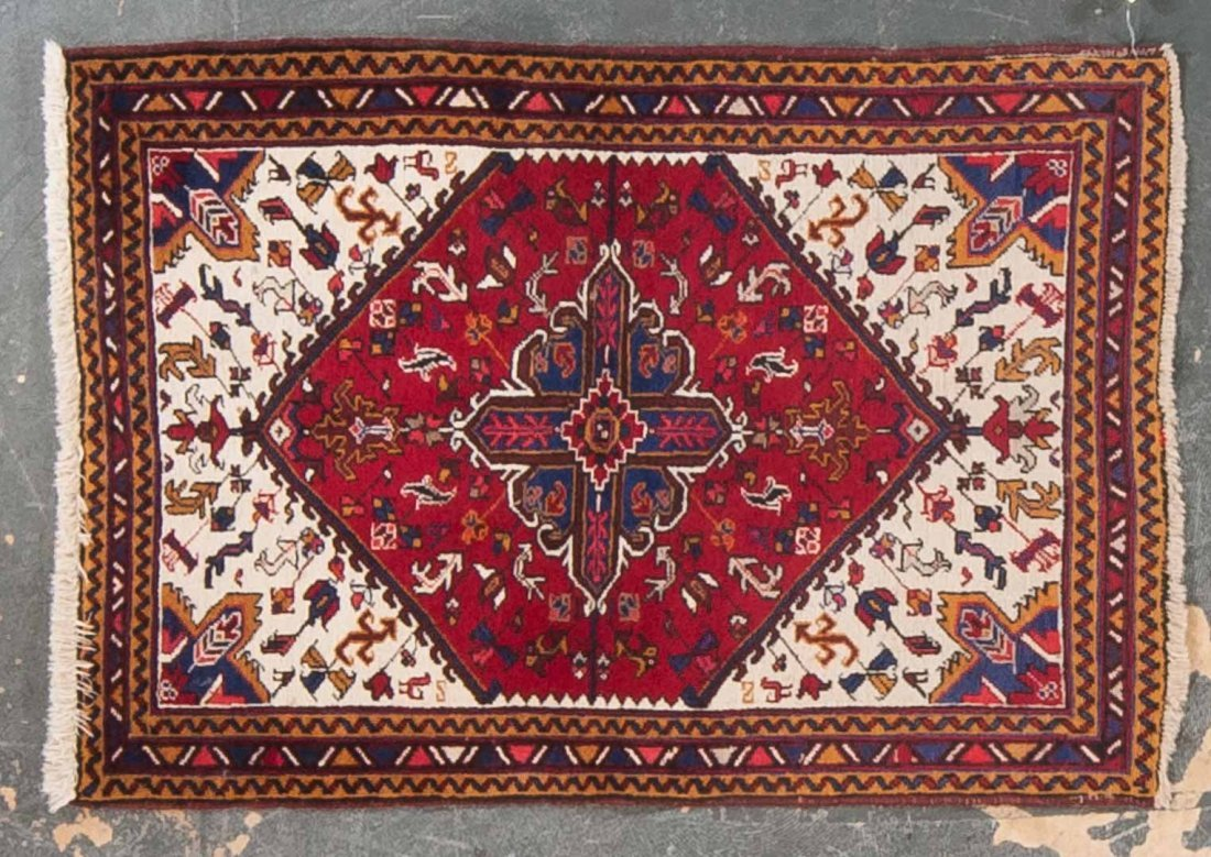 Persian Herez scatter rug, approx. 3.5 x 4.10