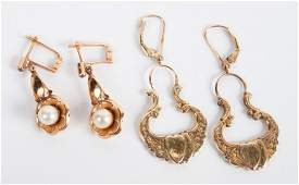 Two pairs of 14K gold earrings