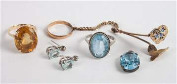 Five items of ladys jewelry